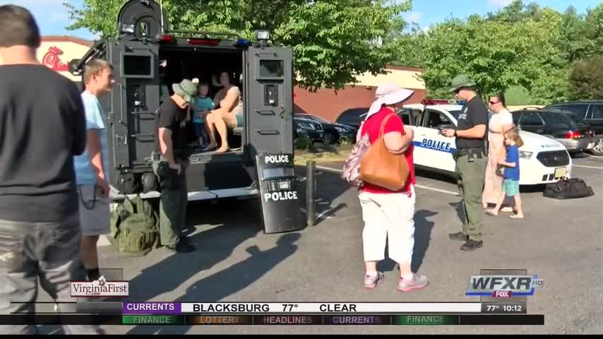 Kids thank local law enforcement in Lynchburg_27063513-159532