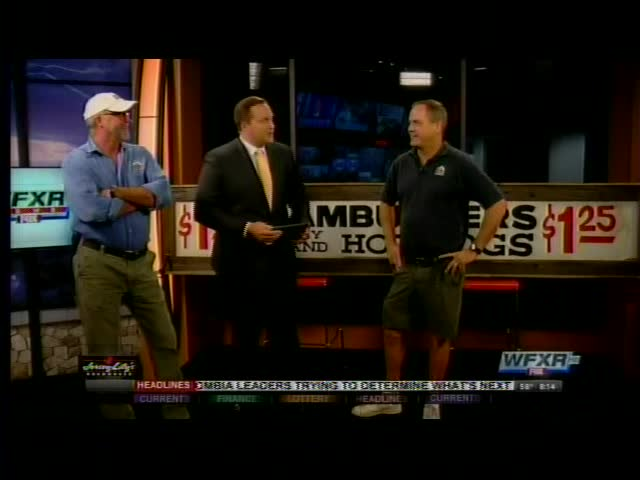 Iconic Texas Tavern sign being auctioned off_99691285-159532
