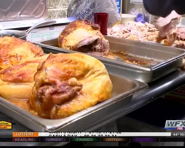 Roanoke Rescue Mission prepares for Thanksgiving dinner_98303877-159532