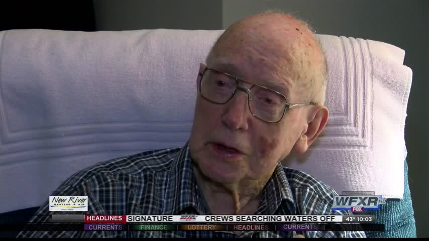 Pearl Harbor survivor looks back 75 years later_76771892