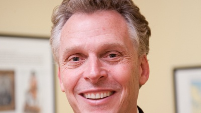 Terry-McAuliffe-Virginia-governor-race-jpg_20160727060901-159532