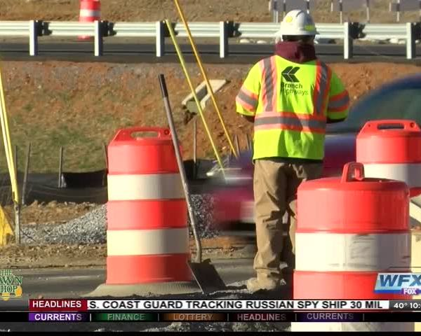 Bill would ban handheld cell phone use in work zones_68444718