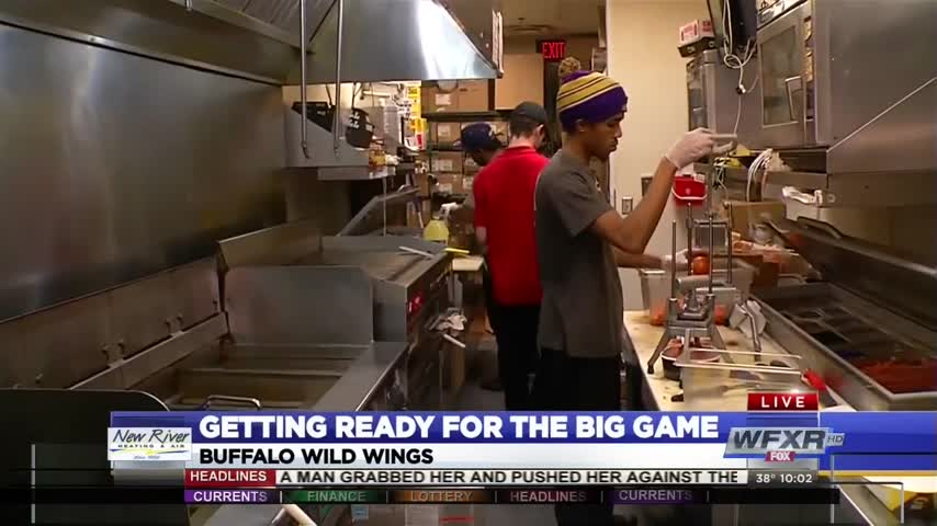 Restaurants preparing for hungry Super Bowl fans_23684777