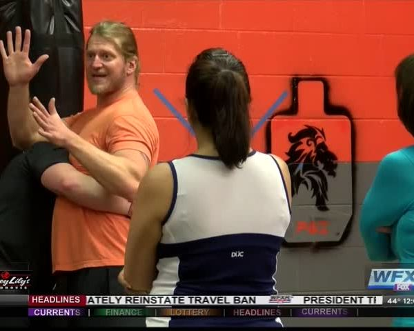 Women learn self defense following attempted assault_01879950