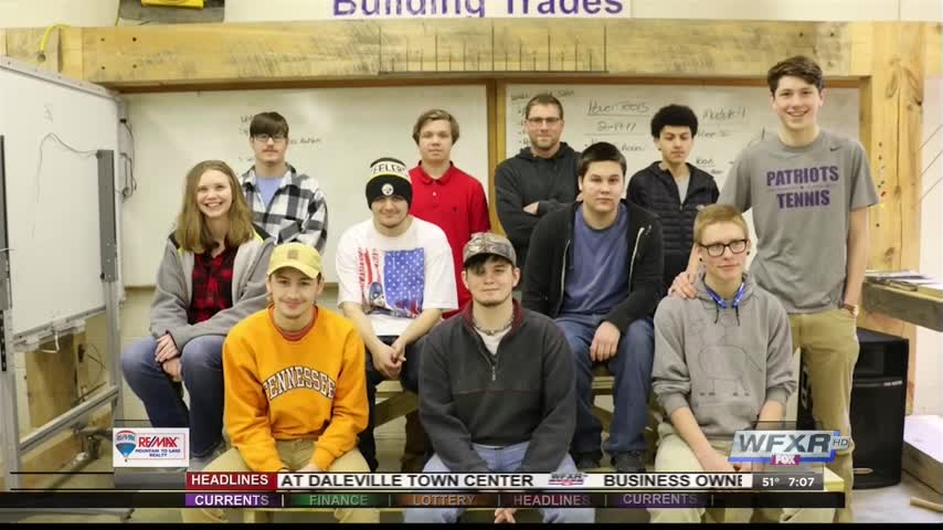 Local high school students help with community garden_45431311