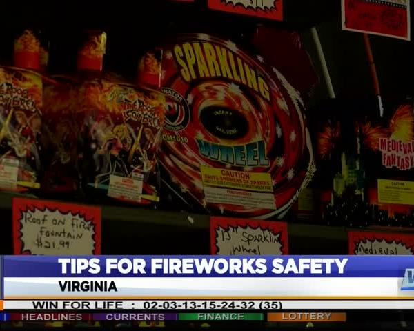 Safety tips for home fireworks show_15358752