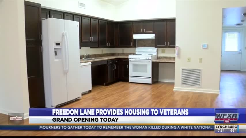 Freedom Lane in Wytheville welcomes veterans home_35077995