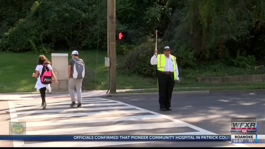Crossing guard added where girl was hit by car_31144933