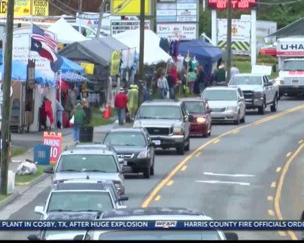 Hillsville Flea Market marks 50th anniversary_79071249