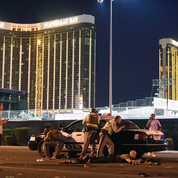 Las Vegas Mass Shooting police outside Mandalay Bay-159532.jpg39925356