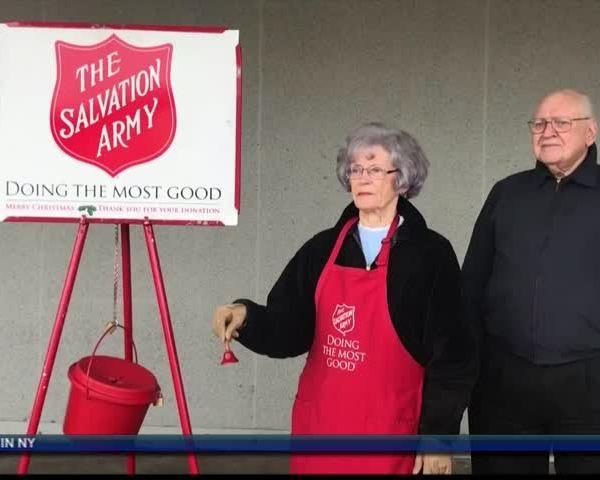 Salvation Army volunteer bell ringers needed in Lynchburg_51929599