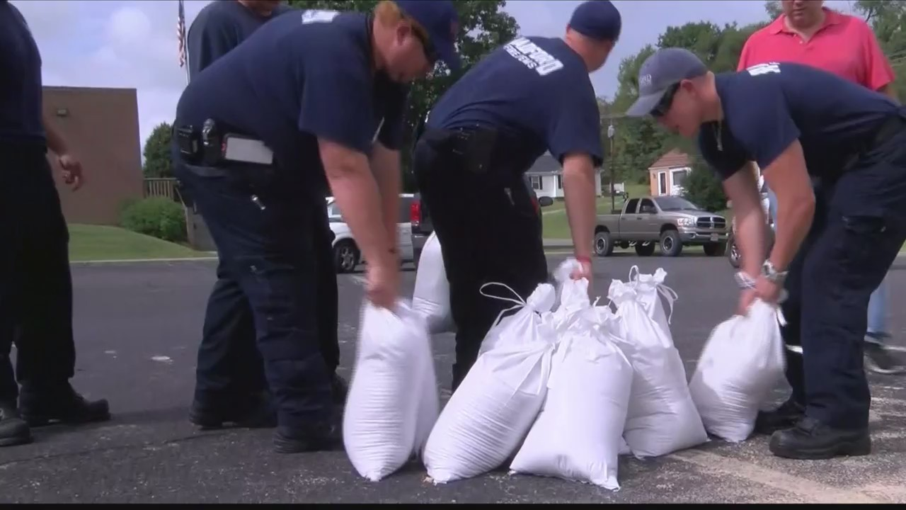 Radford_Fire_Department_out_of_sand_bags_0_20180915052742