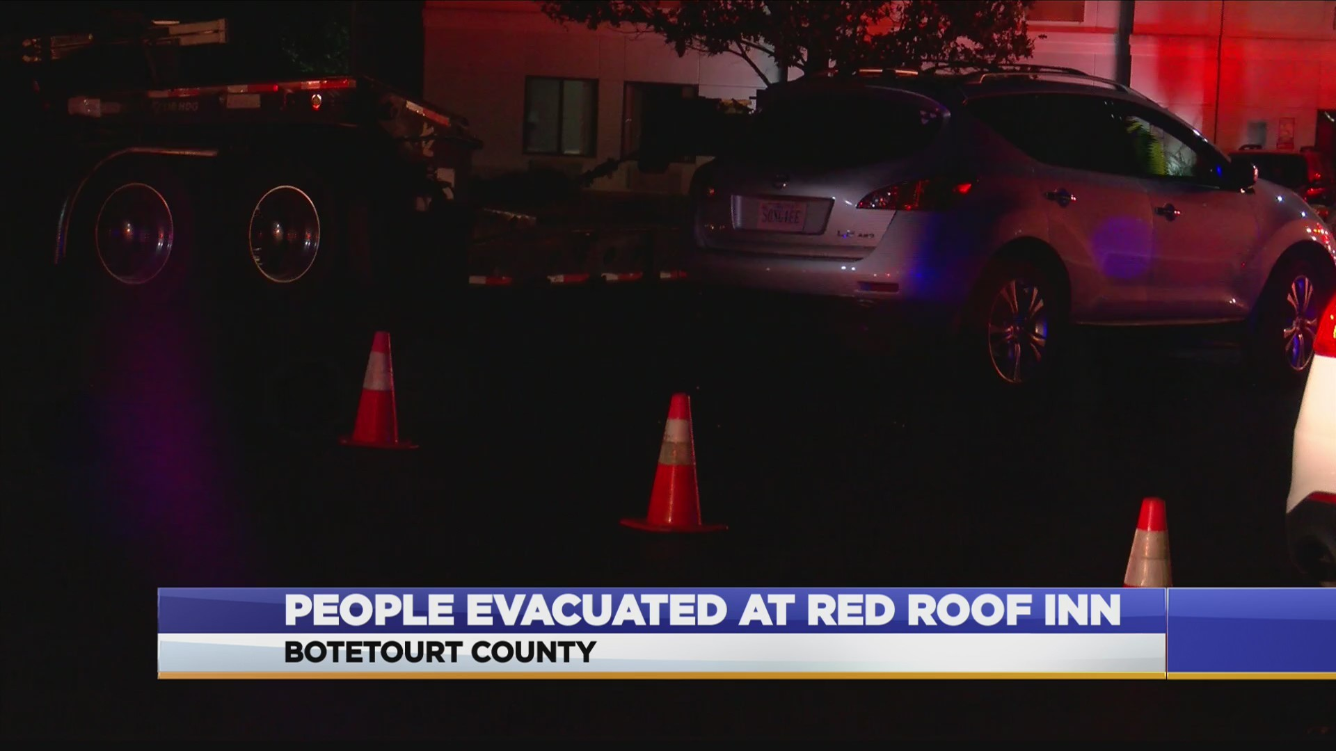 Fire_crews_called_to_the_Red_Roof_Inn_fo_1_20181123043201