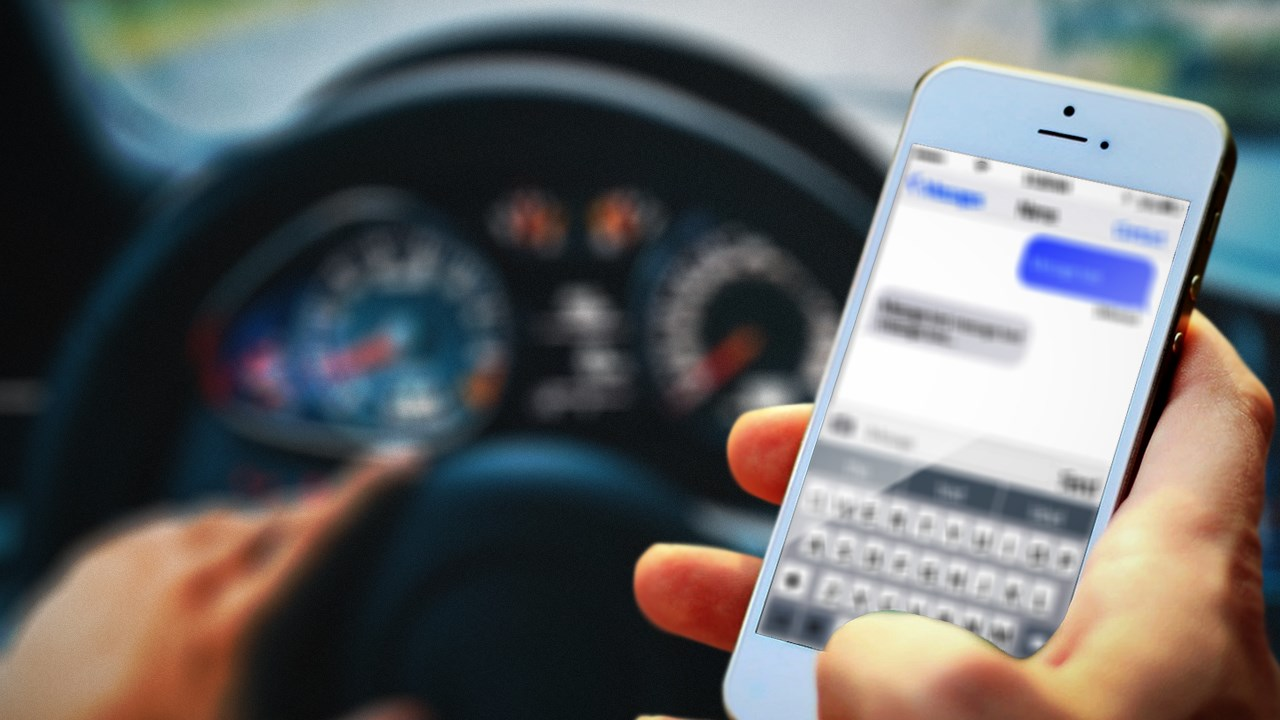 TEXTING WHILE DRIVING_1551741024630.jpg.jpg
