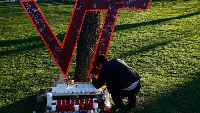 Virginia Tech shootings sign_931845691269442-159532