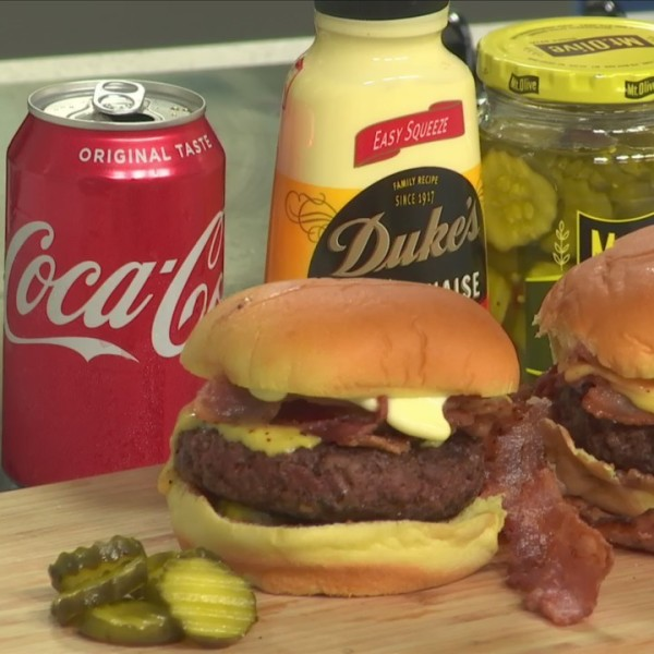 Celebrate_summer_with_delicious_burgers__9_20190613164925