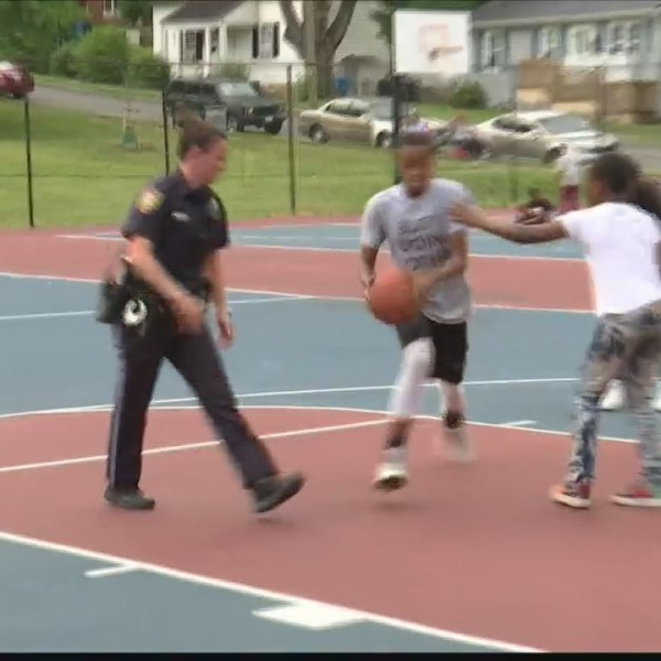 Lea Youth Outdoor Basketball League kicks off in Melrose Park