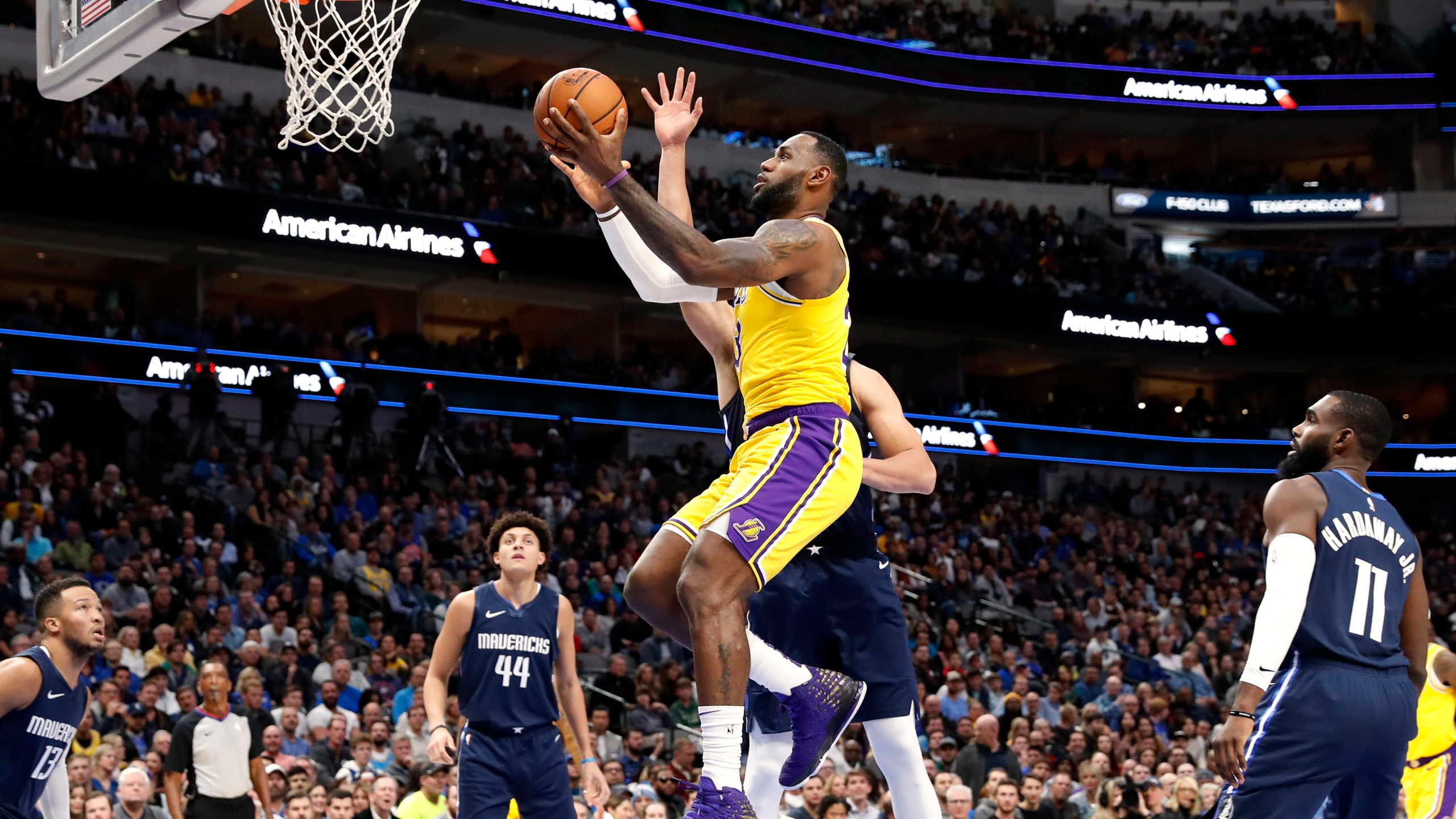 James Doncic Match Triple Doubles Lakers Beat Mavs In Ot