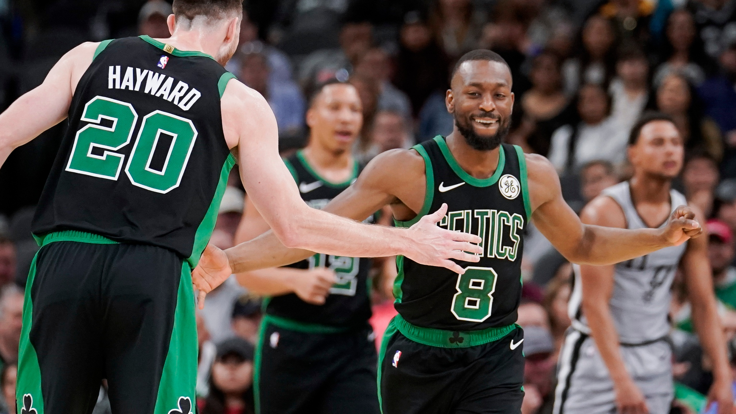 Hayward Breaks Left Hand In Celtics 135 115 Rout Of Spurs Wfxrtv