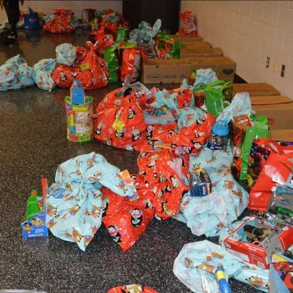 Operation Christmas Tree raised enough money to buy food, clothes, and gifts for 39 families in need. (Photo: Courtesy Franklin County Sheriff's Office)