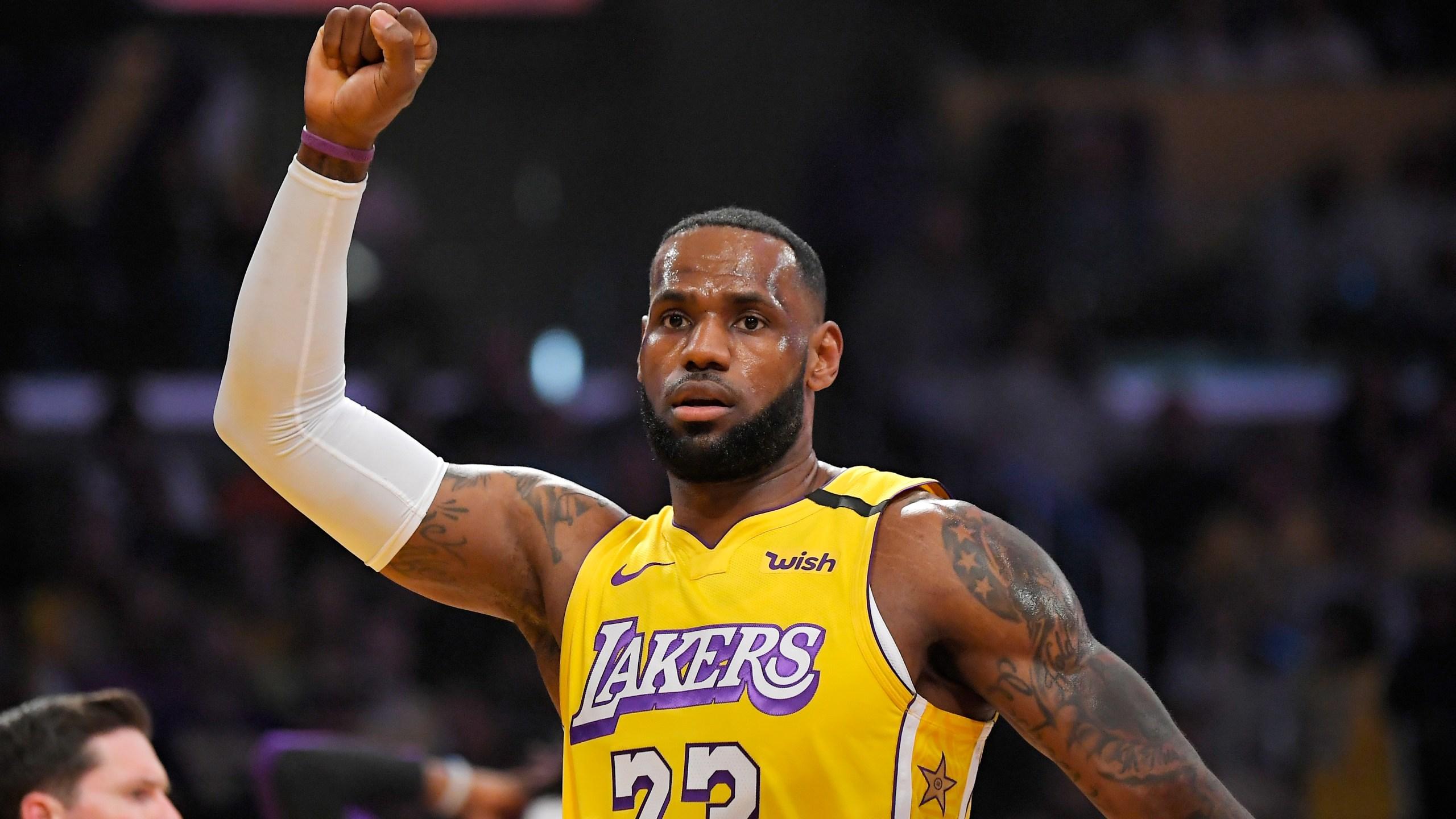 Davis Scores 46 Against Former Team As Lakers Beat Pelicans