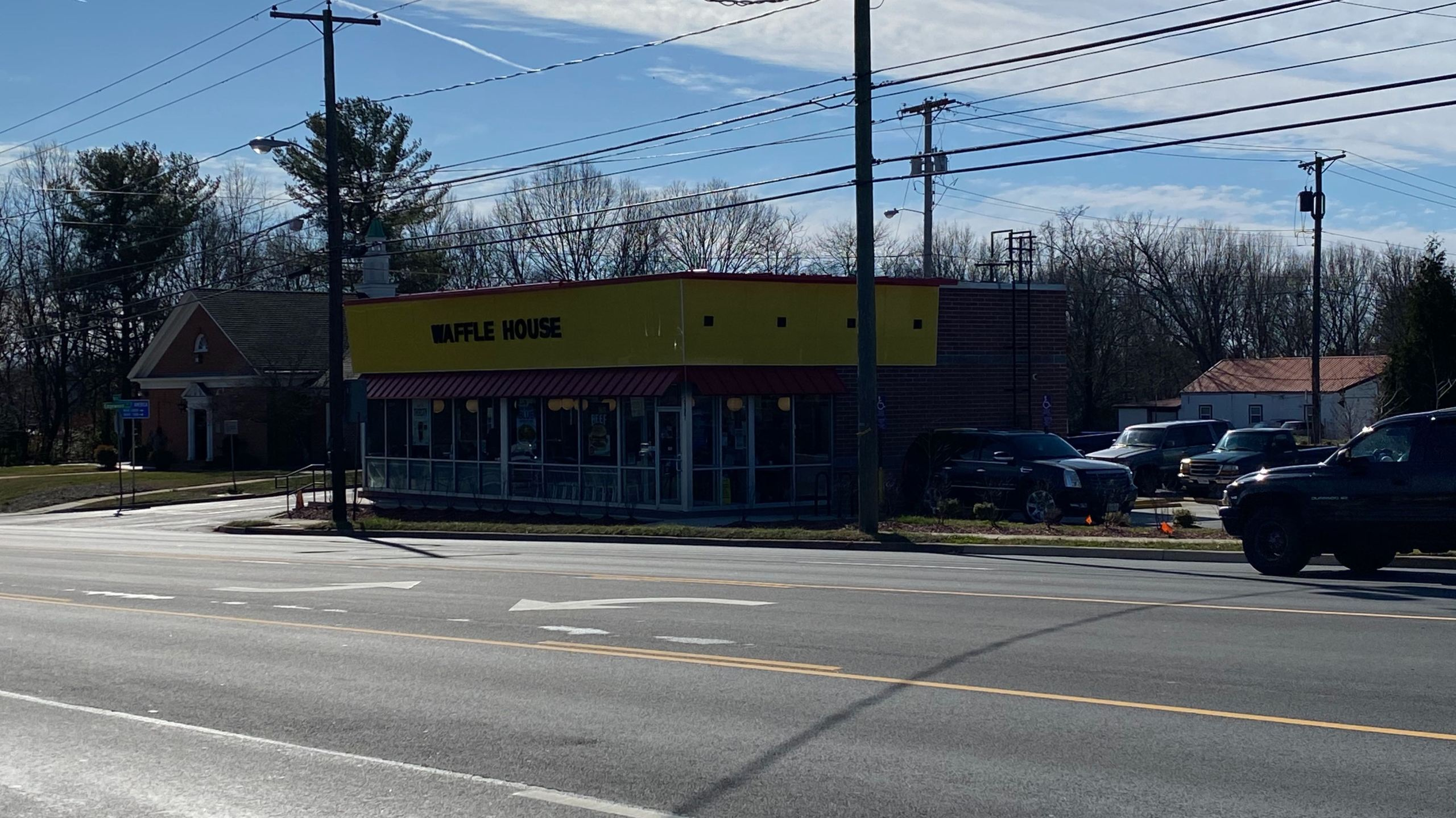 A Waffle House employee confirmed that the fight took place at the restaurant. (Photo: Ryan Saylor/WFXR News)