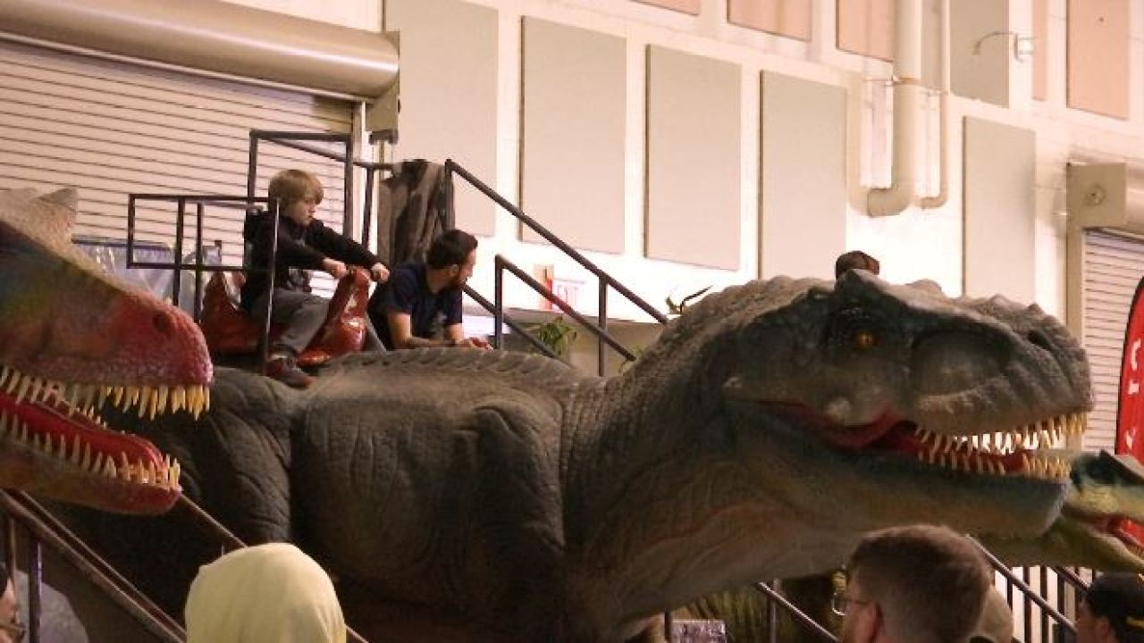 Jurassic Quest sees third day of huge crowds in Roanoke