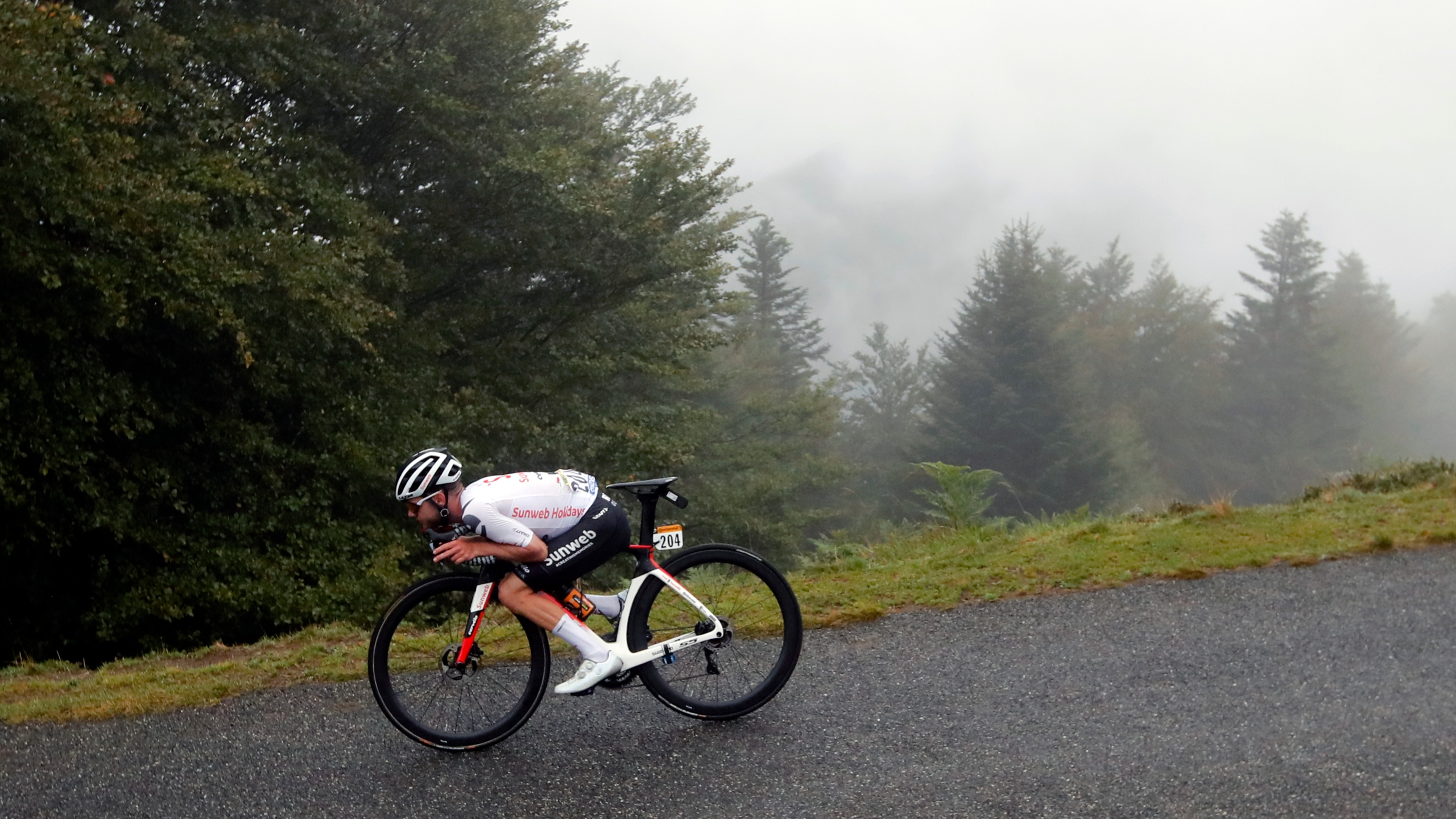 Roglic Leads Tour De France After Epic Mountain Trek Wfxrtv