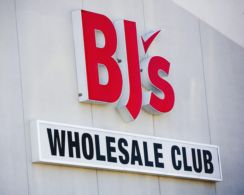 Bj S Wholesale Club Giving Away Free Thanksgiving Turkeys To Club Members Wfxrtv