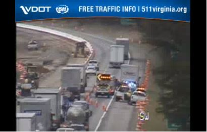 VDOT says the southbound right lane and right shoulder are closed at mile marker 142.6 on I-81 in Roanoke County due to a vehicle crash on Tuesday, Dec. 1. (Photo: Courtesy VDOT)
